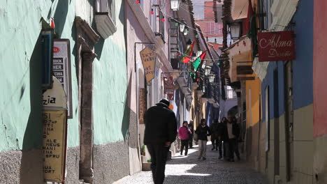 La-Paz-back-street-man-on-phone-c