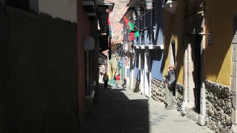 Bolivia-La-Paz-back-street-tourist-takes-photo