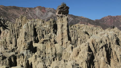 Bolivia-La-Paz-La-Luna-Valley-jagged-spike