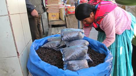 La-Paz-market-bags-of-beans