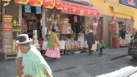 La-Paz-street-from-car