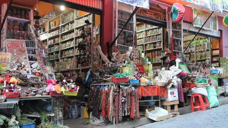 La-Paz-open-market-stalls