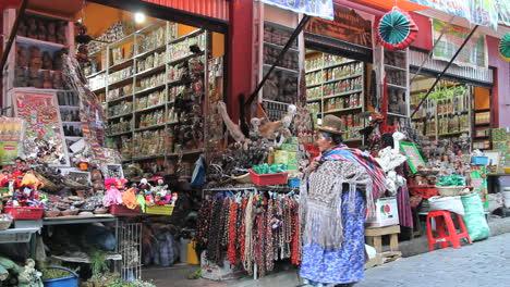 Mercado-De-Las-Brujas-De-La-Paz-Con-Mujer