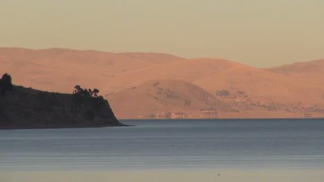 Bolivia-sun-on-margins-of-Lake-Titicaca-s