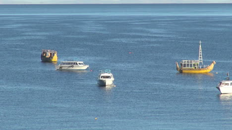 Bolivia-boats-in-Lake-Titicaca-s