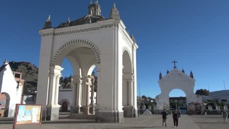 Bolivia-Copacabana-pilgrimage-shrine-s