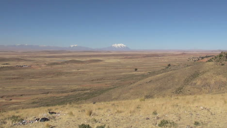 Bolivia-altiplano-and-distant-Andes