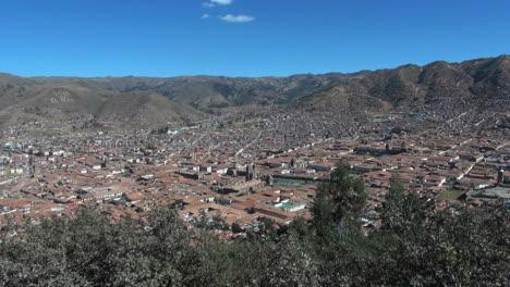 Peru-looking-down-at-Cusco
