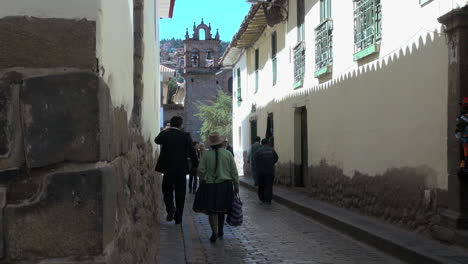 Peru-Cusco-street-leading-to-church-s