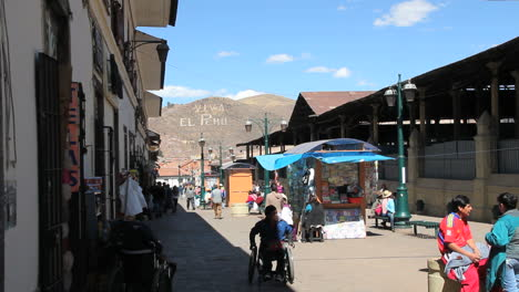 Cusco-street-with-stands-c