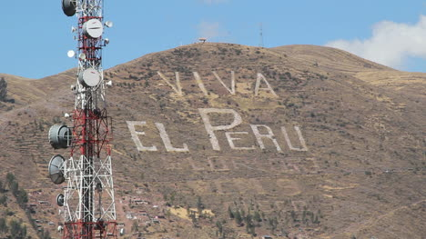 Peru-Cusco-Viva-Peru-on-hillside