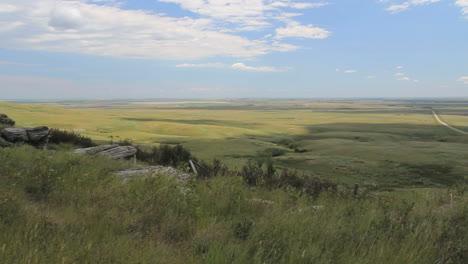 Canada-Alberta-landscape-from-rim-rock-c