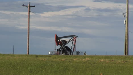Canada-Alberta-oil-well-pumping-s