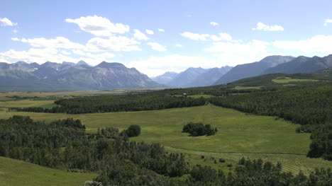 Canada-Alberta-Rocky-Mountains-from-plains-s