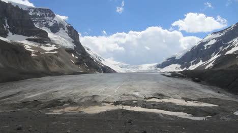 Canada-Athabasca-Glacier-dramatic-view-c