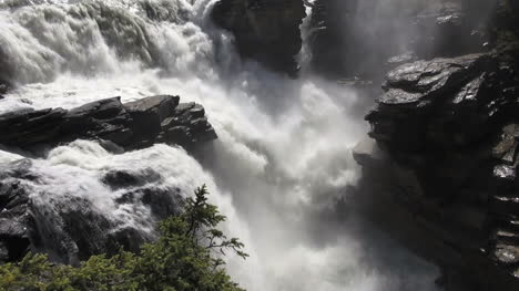 Canada-Alberta-Athabasca-Falls-dramatic-plunge-s