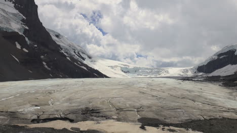 Canada-Icefields-Parkway-Athabasca-Glacier-sun-and-shadow-s