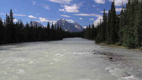Canadian-Rockies-Athabasca-River-distant-mountain