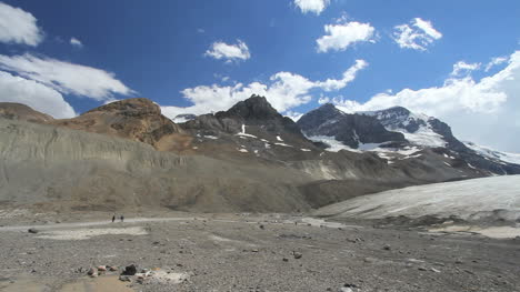 Canadian-Rockies-Athabasca-Glacier-hikers-approaching-ice-c