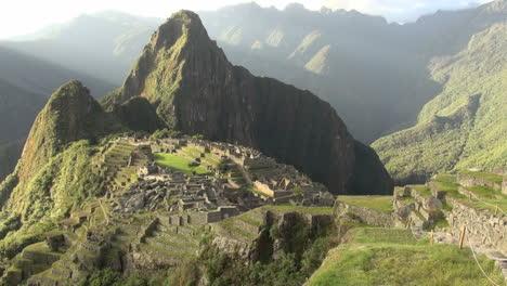 Machu-Picchu-dramatic-evening-light