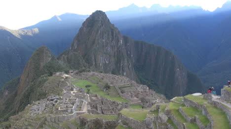 Machu-Picchu-early-morning-before-sun