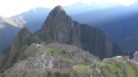 Machu-Picchu-El-Sol-De-La-Madrugada-Llega-Al-Pico