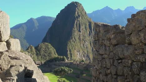 Machu-Picchu-&-Huayna-Picchu-framed-with-walls