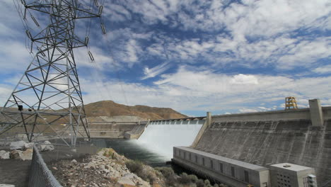 Washington-Grand-Coulee-Dam-Con-Torre-Y-Líneas-3