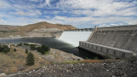Washington-Grand-Coulee-Dam-and-visitor-center-4