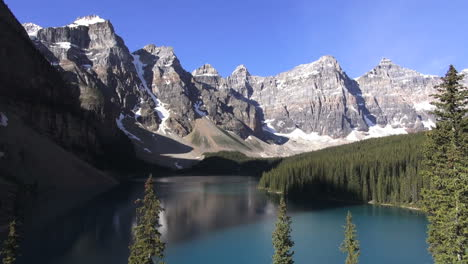 Canada-Alberta-Moraine-Lake-Valley-of-the-Ten-Peaks-view-s