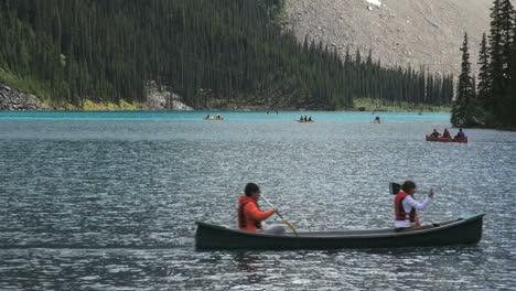 Canada-Alberta-Moraine-Lake-with-canoes-s