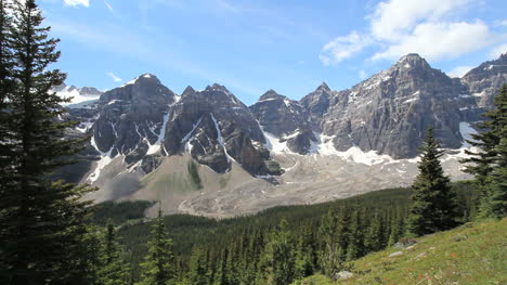 Canadian-Rockies-Banff-rugged-Mountains-from-Eiffel-Lake-Trail