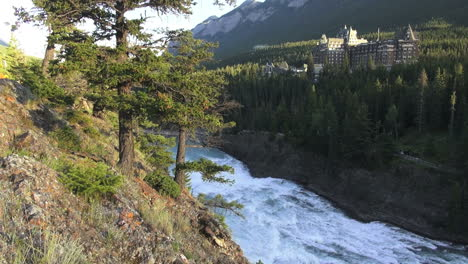 Canada-Banff-Springs-Hotel-&-Bow-River