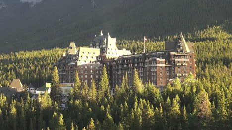 Canada-Banff-Springs-Hotel-in-forest
