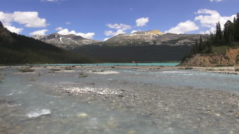 Canada-Alberta-Stream-flowing-into-Bow-Lake