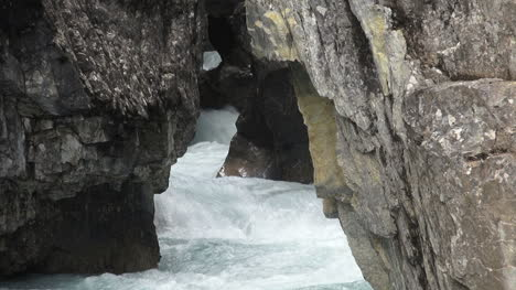 Canada-Icefields-Parkway-Bow-Falls-foaming-in-crevice