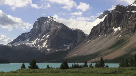 Canada-Icefields-Parkway-Crowfoot-Glacier-over-Bow-Lake-time-lapse