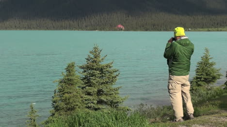 Kanada-Alberta-Banff-Bow-Lake-Bank-Mann-Nimmt-Bilder-9