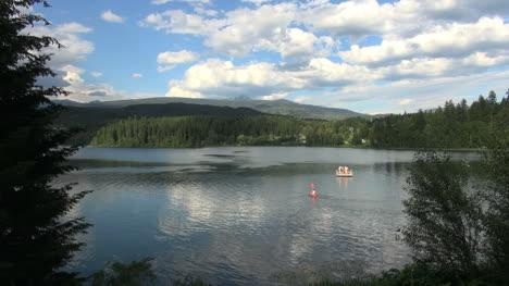 British-Columbia-Lake-with-kayak