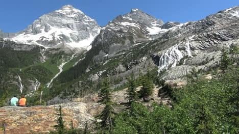 British-Columbia-Glacier-NP-Mt-Sir-McDonald-with-tourists