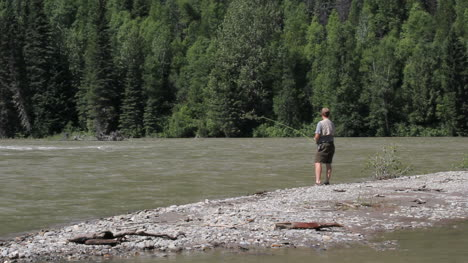 Canada-British-Columbia-North-Thompson-River-fly-fisherman-whips-line-3