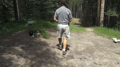 Canada-Alberta-Banff-disc-golf-course-preparing-to-tee-off-1