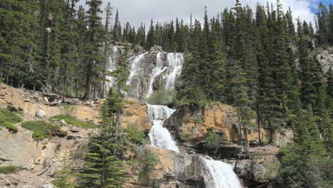Canadian-Rockies-Icefields-Parkway-Tangle-Falls-c
