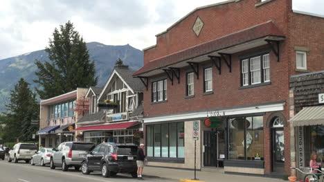 Canada-Alberta-Jasper-Connaught-street-shops