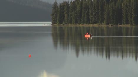 Canada-Jasper-NP-boat-on-Malign-Lake