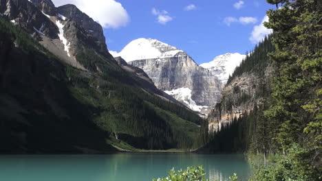Canada-Alberta-Lake-Louise-and-mountain