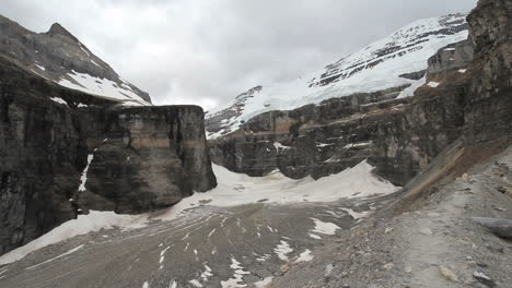 Canadian-Rockies-Banff-park-view-of-a-glacier