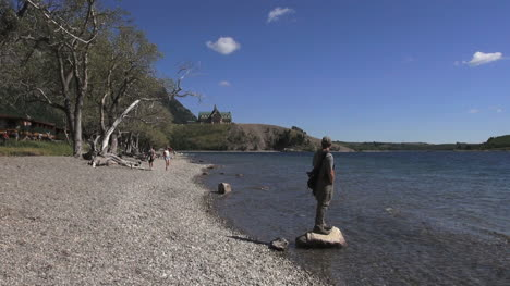 Canada-Alberta-Waterton-Lakes-Prince-of-Wales-Hotel-standing-on-rock-16