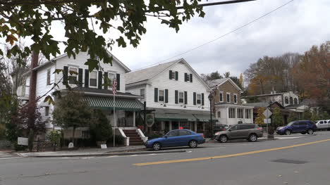 New-Jersey-Stockton-shop-with-striped-awning-1