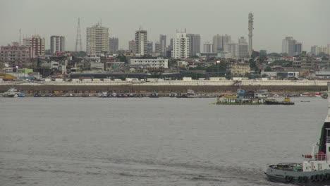Manaus-Río-Amazonas-Con-Remolcadores